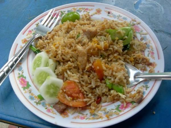 20 baht khaw pad gai thai fried rice recipe thai foodie 20 baht khaw pad gai thai fried rice recipe ccuart Gallery