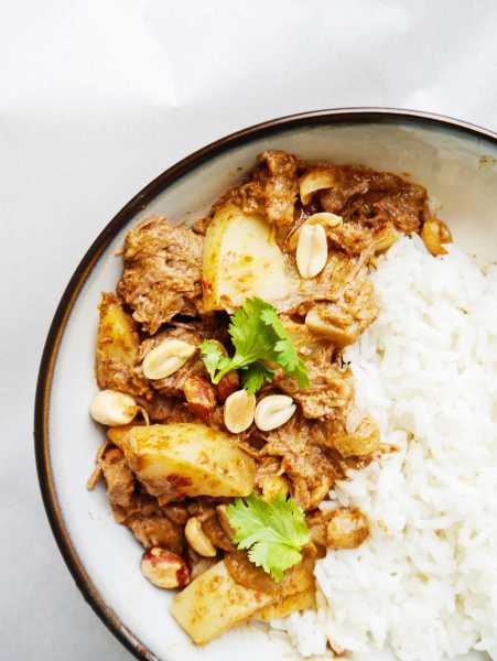 Thai Massaman Beef Curry Crockpot