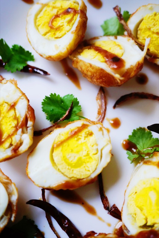 If you thought fried eggs were good, try hard-boiled fried eggs with a tangy, tamarind, sweet Thai sauce? Eggs don't get much better than this! | thai-foodie.com